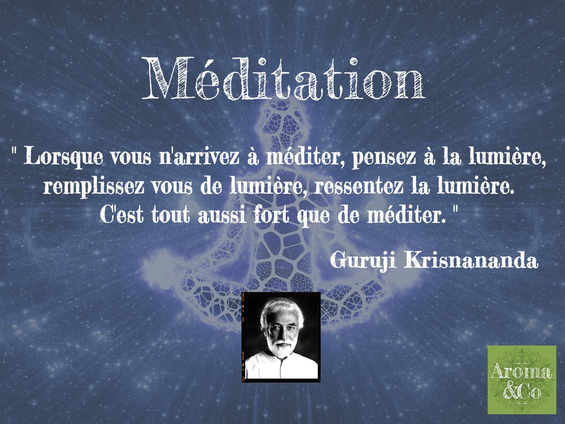 """Phrases de Guruji Krisnananda""""Lorsque vous n'arrivez à méditer, pensez à la lumière, remplissez vous de lumière, ressentez la lumière. C'est tout aussi fort que de méditer. """""""